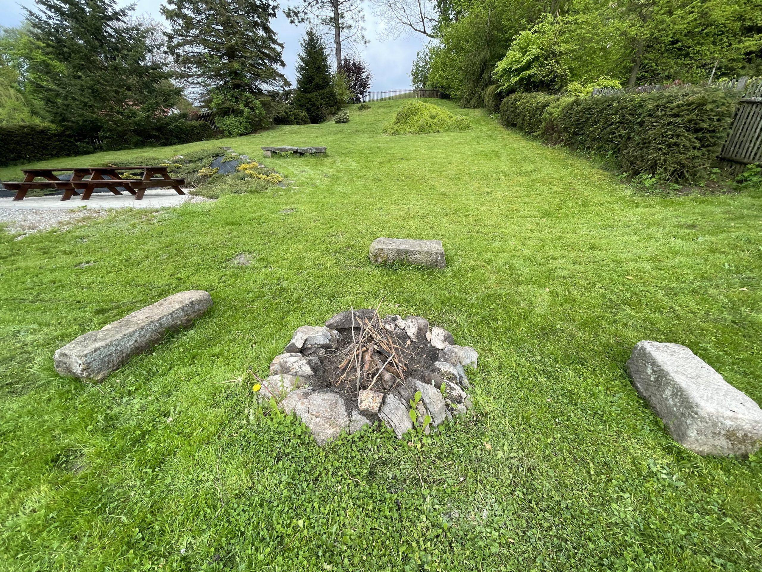 Chalupa Lužické hory - Výhled ze shora chalupy na zahradu